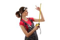 Flickan står med en roulett Fotografering för Bildbyråer