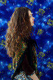 flickan undertecknar zodiac Arkivfoton