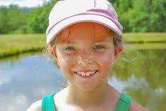Flickas dag för sommar för framsida varm arkivbild