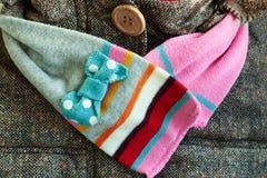 Flickas halsduk med ett lag Royaltyfria Bilder