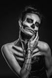 Flickas skelett i studion Arkivbilder