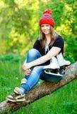 flickaskridskoåkning arkivfoto