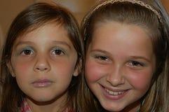Flickastående genom att använda smink Arkivfoton