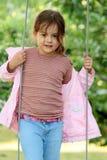 flickaståendebarn arkivbilder
