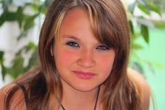 flickatonåring Arkivbild
