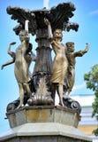Flickor för springbrunnskulpturgrupp Royaltyfri Fotografi