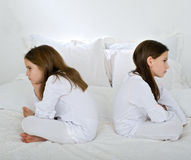 flickor grälar två Arkivfoton