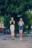 Flickor i staden Royaltyfri Foto