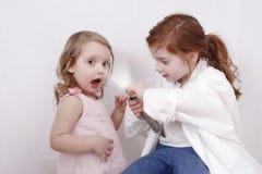 flickor little som leker arkivbild