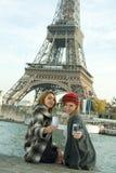 flickor paris Royaltyfria Bilder