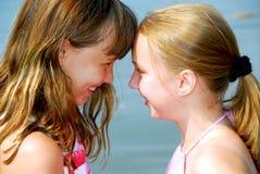 flickvänner två royaltyfri bild