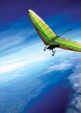Fliege über den Wolken Lizenzfreies Stockfoto