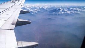 Fliegen über den Anfang des Himalaja-Berges Stockfoto