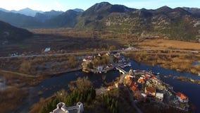 Fliegen über die Festung und die alte Stadt Virpazar stock video footage