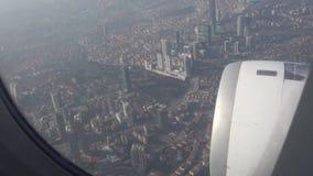 Fliegen über Istanbul-Stadt in der Türkei stock video footage