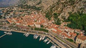 Fliegen über Kotor in Montenegro Stockfoto