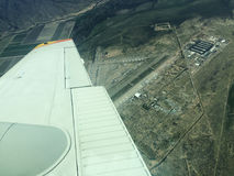 Fliegen über Pinal Airpark Lizenzfreie Stockfotos
