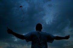 Fliegen Sie einen Drachen Lizenzfreies Stockfoto