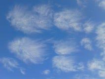Fliegen-Wolken Stockfoto