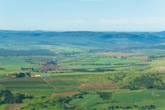 Fliegende Ackerland-Feld-Tal-Landschaft Lizenzfreie Stockfotografie
