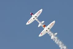 Fliegende Anzeige und aerobatic Show der SWIP-Twistersflugzeuge in Bahrain-International Airshow Lizenzfreies Stockfoto