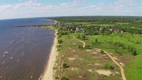 Fliegender oben genannter Shore See stock video