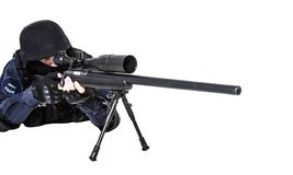 FLIEGENKLATSCHE-Offizier mit Scharfschützegewehr Stockbild