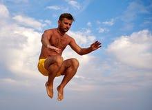 Fliegenmann über schönem Himmel Lizenzfreies Stockbild