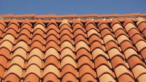 Fliesen eines Dachs Stockbilder