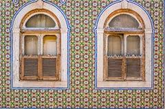 Fliesen eines typischen Hauses in Lissabon lizenzfreies stockfoto