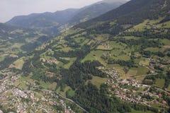Flightseeing游览克恩顿州拉登泰因圣皮特圣徒・彼得Mitterberg Mt Priedröf概略的视图 免版税库存照片