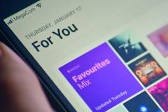 Flik för Apple musikrekommendation arkivfoton