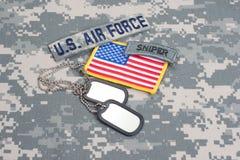 Flik för prickskytt för USA-ARMÉ med tomma hundetiketter Royaltyfri Bild