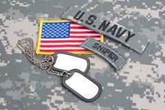 Flik för prickskytt för USA-ARMÉ med tomma hundetiketter Arkivfoto