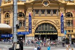 Flindersgatastation i Melbourne på den Australien dagen fotografering för bildbyråer