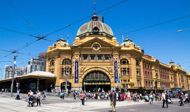 Flindersgatastation i Melbourne på den Australien dagen Royaltyfri Fotografi