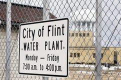 Flinta Michigan: Stad av Flint Water Plant Sign Arkivbild