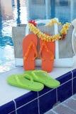 Flip-flop ed accessori dello stagno Fotografia Stock