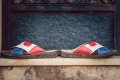 Flip-flop sporchi immagine stock libera da diritti