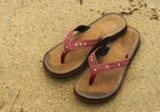Flip-flops. Areia Fotos de Stock