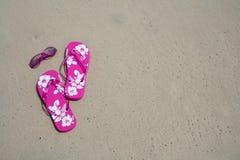 Flip-flops e máscaras Fotografia de Stock Royalty Free