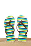 Flip-flops na areia foto de stock royalty free