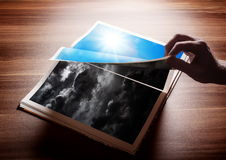 Fliping de pagina van mijn boek Royalty-vrije Stock Foto