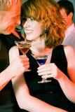 Flirt in een staaf royalty-vrije stock fotografie