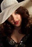 flirty hattkvinna Royaltyfri Fotografi