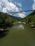 Flisacy przy Nowej rzeki wąwozu mostem w Zachodnia Virginia zdjęcie royalty free