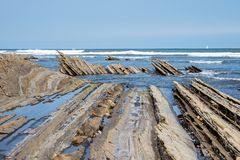 Fliszu wybrze?e Sakoneta, Zumaia - Baskijski kraj, Hiszpania fotografia royalty free