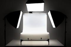Flitslichten en het schieten van lijst fotografisch materiaal royalty-vrije stock foto