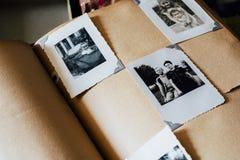 Flitterwochen-Foto-Album - verlassene Catskills-Gebirgswohnung, New York Stockfotografie