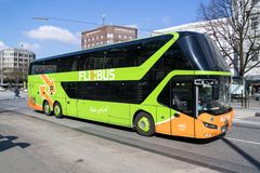 Flixbus intercity κεντρική στάση λεωφορείου του Αμβούργο λεωφορείων κοντινή στοκ εικόνα